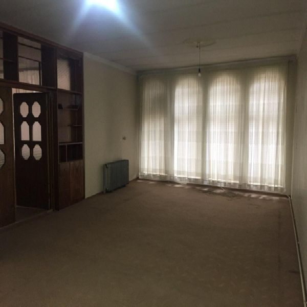 فروش منزل مسکونی 406 متر خیابان معلم ارومیه