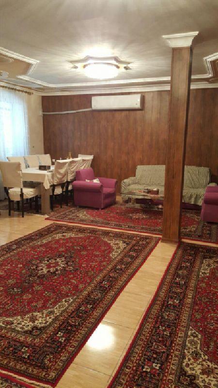 فروش منزل مسکونی3 طبقه 190 مترخیابان سعدی ارومیه
