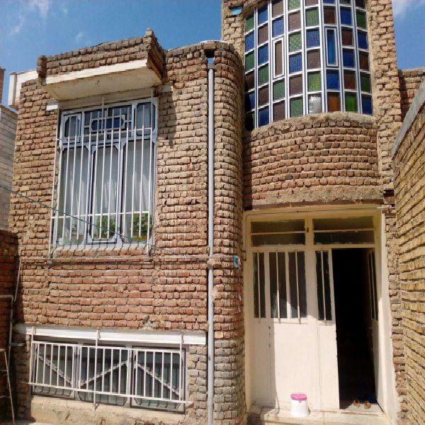 فروش منزل با مغازه 250 متر خیابان ورزش ارومیه