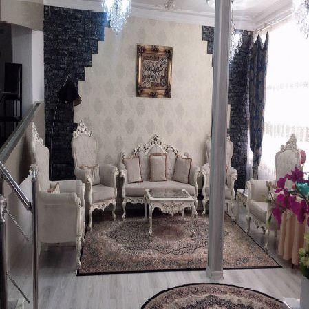 فروش منزل مسکونی با 2 مغازه  90 مترخیابان صائب تبریزی ارومیه