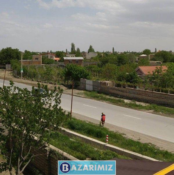 باغ ملک به متراژ تقریبی ۱۲۰۰ متر بَراصلی جاده امامزاده